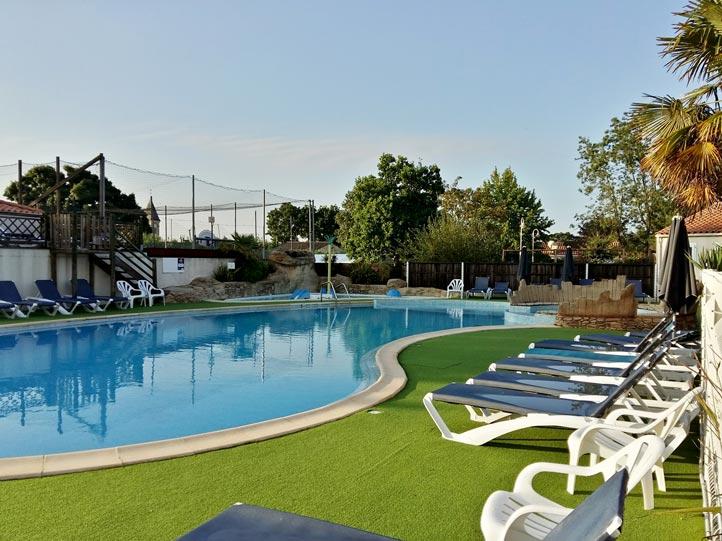 Camping vend e avec piscine couverte chauff e et parc - Camping lac aiguebelette avec piscine ...